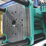 Forza di chiusura: perché è fondamentale per il processo di stampaggio a iniezione e come calcolarla
